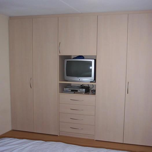 Slaapkamerkast met tv for Tv lift slaapkamer